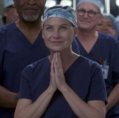 """14 Awesome Hidden Easter Eggs From The 300th Episode Of """"Grey's Anatomy"""""""