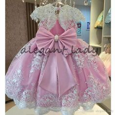 Pink Ball Gown Flower Girls Dresses For Weddings Vestido daminha Pearls Sash Bow Cap Sleeves White Lace First Communion Dress Princess Flower Girl Dresses, Ivory Flower Girl Dresses, Flower Girls, Pink Princess, Dress Lace, Baby Girl Birthday Dress, Birthday Dresses, Girls Pageant Dresses, Dresses Kids Girl