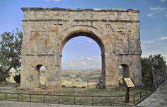 HISPANIA ROMANA Medinaceli, Soria - Arco romano de Occilis