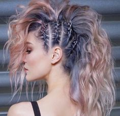 45 gorgeous side braids with high ponytails in 2018 braids gorgeous high ponytails side 27 elegant side braid ideas to style your long hair Fast Hairstyles, Pretty Hairstyles, Hairstyles Pictures, Faux Hawk Hairstyles, Rock Hairstyles, Unique Hairstyles, Funky Hairstyles For Long Hair, Braided Mohawk Hairstyles, Updo Hairstyle