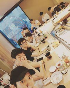 """[170522 Chanyeol Ig Update with guys for Suho's bday] via @real__pcy) on Instagram: """"리더형 생일파티는 함께해야지 사랑해 생일축하해 수호❤"""""""