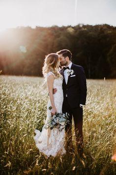 CANDI wedding shoot - summer wedding - shoot in a field