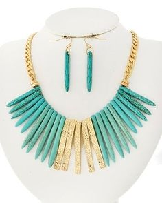 STONE TURQUOISE STATEMENT NECKLACE SET- IN GOLD