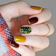 False nails have the advantage of offering a manicure worthy of the most advanced backstage and to hold longer than a simple nail polish. The problem is how to remove them without damaging your nails. Marriage is one of the… Continue Reading → Beautiful Nail Designs, Beautiful Nail Art, Gorgeous Nails, Beautiful Hands, Fall Nail Designs, Acrylic Nail Designs, Acrylic Nails, Floral Designs, Matte Nails