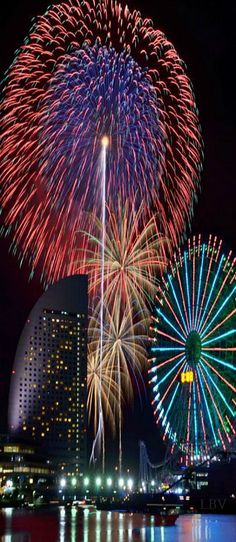 Clear night for fireworks in Yokohama, Japan #Japan #Travel  www.phuketgolfleisure.com