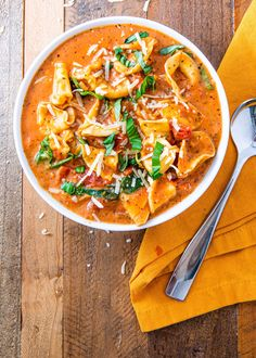 If You Aren't Making Creamy Parm Tomato Soup, You're Missing The Entire Point Of WinterDelish Fall Soup Recipes, Tomato Soup Recipes, Dinner Recipes, Potato Recipes, Creamy Tortellini Soup, Cheese Tortellini, Smoothies, Cooking Recipes, Healthy Recipes