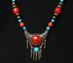 Tibet Silvertone Alloy Plated Moon Bringt Red Blue Beads Pendant Necklace EG74