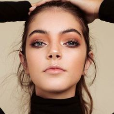 Tendance Makeup Flawless Skin Glowing Nose and Warm Eyeshadow Beauty Makeup, Eye Makeup, Hair Makeup, Hair Beauty, Bronze Makeup, Clean Makeup, Prom Makeup, Maquillage Yeux Cut Crease, Model Tips