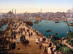 Galata Köprüsü'nün1890 yılına ait photochrom tekniğiyle renklendirilmiş fotoğrafı