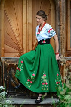 Folk dresses by Gorsecik, Poland. Polish Clothing, Folk Clothing, Ukrainian Dress, Folk Fashion, Bohemian Fashion, Mexican Dresses, Folk Costume, Traditional Dresses, Fashion Dresses
