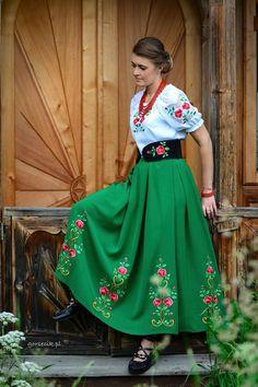Folk dresses by Gorsecik, Poland. Mexican Fashion, Folk Fashion, Ethnic Fashion, Bohemian Fashion, Polish Clothing, Folk Clothing, Ukrainian Dress, Mexican Dresses, Folk Costume
