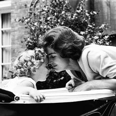 Jackie Kennedy with daughter Caroline in Georgetown, 1959 Photo by Mark Shaw [500x500] - Imgur