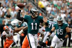 Carson Wentz leads Eagles past Browns 29-10