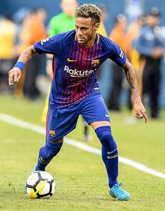 LaLiga refuse to accept PSG bid for Barcelona star Neymar - Tribal Football Neymar Family, Neymar Team, Neymar Pic, Cr7 Messi, Cristiano Ronaldo Cr7, Neymar Barcelona, Sports Wallpapers, Soccer Players, Barcelona