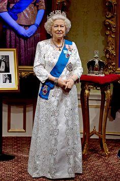 Музей мадам Тюссо новая скульптура Елизаветы II