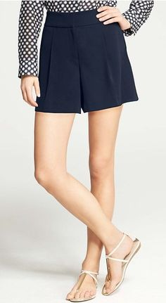 high-waisted navy shorts - perfect for summer!