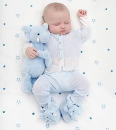 Them chubby cheeks right from the start 😍 So kissable. My newborn Harlen 💙 So Cute Baby, Baby Kind, Baby Love, Cute Kids, Adorable Babies, Baby Boy Pictures, Baby Photos, Cute Outfits For Kids, Baby Boy Outfits