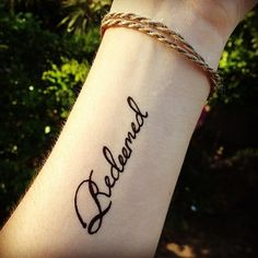 this would be sweet as a shoulder Tatoo that says redneck in same font<3