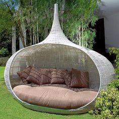 Te wspaniałe gniazda, które każdy chciałby mieć w swoim ogrodzie, to kolekcja mebli ogrodowych w azjatyckim stylu - Lifeshop Collection. http://www.sztuka-krajobrazu.pl/510/slajdy/projekty-ogrodowe-ndash-gniazda-i-ksiezyce