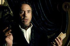 Sherlock Holmes does a tarot reading