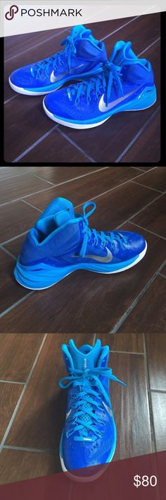 Hyperdunk 2014 Basketball Shoes These are MENS shoes. Women can wear these too but they retail as men's.  PRICE NEGOTIABLE, make and offer! :) They are in GREAT condition I only wore them for one basketball season and they are super comfortable and performance efficient! Color: Dark Blue/ Light Blue. Nike's Description: The Nike Hyperdunk 2014 is made with dynamic Flywire technology for adaptive support and lockdown from end to end. Responsive Lunarlon cushioning delivers impact protection…