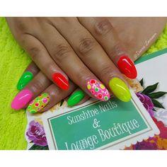 Conócenos, síguenos, compártenos... f/ Sunshine Nails & Lounge Boutique @Diana Leemoon #Uñas #UñasAcrílicas #Nails #Neon #NailArt #DianaLeemoon