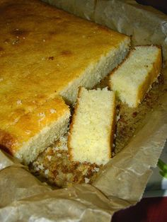am pus-o in cuptor si cand mi-am aruncat privirea Romanian Desserts, Romanian Food, No Cook Desserts, Dessert Recipes, Cake Cookies, Cupcake Cakes, Sugar Free Recipes, Sweet Tarts, Banana Bread