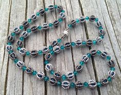 ---------- ----------- קוני פרל גן עדן: שרשרת -Copyright כמו ballgame פניני סטנד אינגה Gielen Seed Bead Necklace, Necklace Set, Beaded Necklace, Beaded Bracelets, Jewelry Patterns, Beading Patterns, Bead Jewellery, Beaded Jewelry, Herringbone Stitch