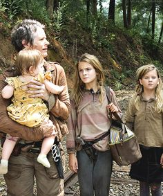 Carol Peletier with Judith Grimes, Lizzie Samuels, Mika Samuels - The Walking Dead, Feb 2014, Season 4 #TheWalkingDead