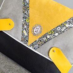 En stock - sac besace uhma - en suédine jaune et gris et simili cuir noir - liberty fitzgerald / sac à main femme