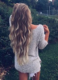 """/alexcentomo/ rocking her custom colored 24"""" Ash Blonde Luxy Hair Extensions in beach waves. Photo by: https://instagram.com/p/6xhnMSj3Sj/?taken-by=alexcentomo /search/?q=%23LuxyHairExtensions&rs=hashtag"""