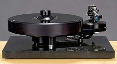 Brinkmann Audio Bardo, 10.5 tonearm and PI MC phono cartridge.