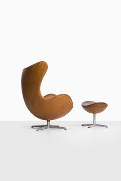 arne jacobsen egg chair in cognac brown leather at studio schalling modern