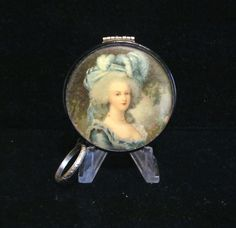 Vintage Compact Purse 1900s Victorian Compact Powder Compact Mirror Compact Finger Ring Compact.