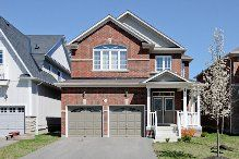 Another Brooklin Beauty!This Elegant And Modern,4 Bdrm Home Is Located On A Quiet Street In Desirable Olde Winchester. Dramatic 2-Storey Foyer,Stunning Kitchen With Upgraded Tall Cabinetry,Mosaic Tiling,Backsplash,And Breakfast Bar,Separate Family Room With Gas Fireplace,And Spacious Combined Dining/Living Rooms Round Up The Beautiful Main Floor.Upstairs,The Inviting Master Has A 5Pc Ensuite With Glass Shower And Soaker Tub,Plus 3 Other Spacious Bedrooms
