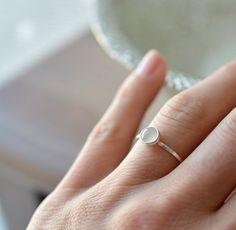 4dc190f75 Jen jemná patina, AG prsten + Měs. kámen / Zboží prodejce my love