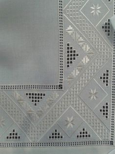 This Pin was discovered by ays Hardanger Embroidery, Hand Embroidery Stitches, Cross Stitch Embroidery, Embroidery Patterns, Craft Sites, Drawn Thread, Longarm Quilting, Bargello, Cutwork