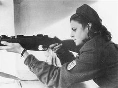 An ausiliaria of Decima MAS with Carcano during a firing drill, pin by Paolo Marzioli Italian Army, Italian Women, National History, Military Women, Special Forces, World History, World War Two, Wwii, Girls