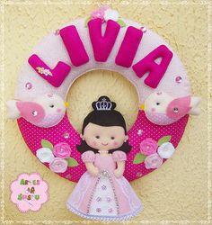 Guirlanda Princesa Medida: 28 cm diâmetro