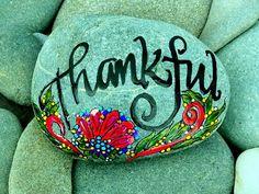 Thankful / Painted Rock / Sandi Pike Foundas / par LoveFromCapeCod, $49.00
