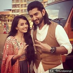 Yessss @kunaljaisingh super excited!! Need everyone's love and support!! We're coming on your screens soon! Don't forget to watch Omkara and Gauri's journey in Dil Bole Oberoi ... 13th Feb 10:30 pm! #dilboleoberoi #starplus