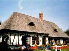Belle chaumière normande typique d'environ 120m2 comprenant salle salon ouvert, belle cheminée, 3 chambres, sur terrain paysagé arboré de 2200 m2 + studio indépendant en style normand + possibilité d'acquérir un terrain attenant de 1100 m2.http://www.partenaire-europeen.fr/Annonces-Immobilieres/France/Haute-Normandie/Eure/Vente-Maison-Villa-LE-BOSC-ROGER-EN-ROUMOIS-816798 #maison