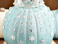 Dazzle your friends and family with this Frozen Elsa Pumpkin