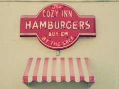 Salina, KS - Great hamburgers, will smell like onions after you leave the place.My favorite! Salina Ks, Cozy Inn, Candy Car, Cofee Shop, Diner Sign, Love Neon Sign, Vintage Signs, Vintage Ads, Retro Diner