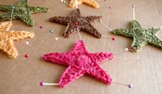 How to make a Crochet Star - Use white, silver, or sparkly, yarn for holiday garland!