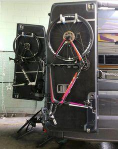 Great storage idea for bicycles! - Home Decoration Camper Caravan, Diy Camper, Camper Life, Van Conversion Bike, Sprinter Van Conversion, Bike Storage In Van, Motorhome, Mercedes Sprinter Camper, Vw Lt