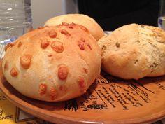 Pane al Kamut: al formaggio, alle olive e al peperoncino