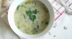 kvasnicová polévka s pórkem