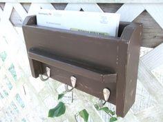 Three Hook Rail Mailholder Key