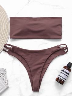 Be a hot sexy beauty with the help of the bikini set. You could pair this bikini with a stunning cover up or a kimono and get that beach babe look. Trendy Bikinis, Cute Bikinis, Vintage Swimsuits, Cute Swimsuits, Bikini Inspiration, Girls Bathing Suits, Bikini Outfits, Summer Suits, Swimwear Fashion